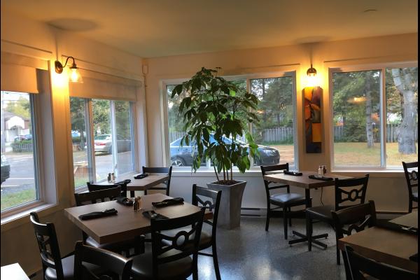 restaurant-pizza-bellefeuille-salle-reception-2.png